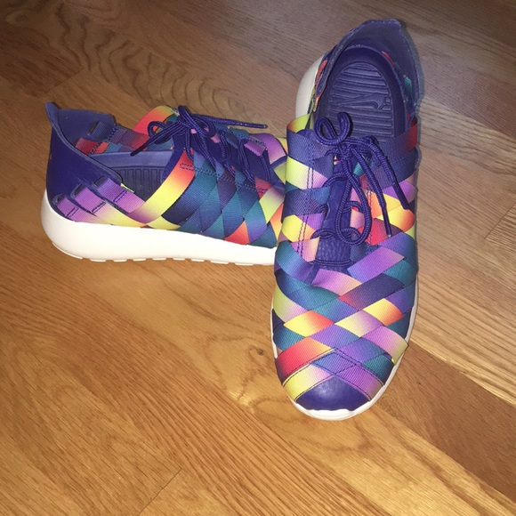866006fb319f0 Nike Roshe Woven Multi Colored Sneakers